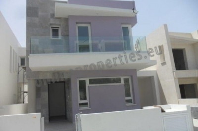 4 Bedroom House-Villa in Makedonitissa