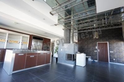 Luxurious Top Floor Apartment/Furn. Version
