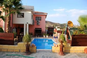 Luxurious 4-bed Detached Villa For Sale!!