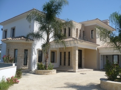 Beautiful Detached House at Pera Orinis