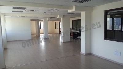 Excellent opportunity!!! office ready to move in..