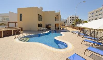 Outstanding seafront luxury villa