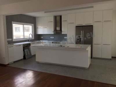 WHOLE FLOOR 3 BEDROOM APARTMENT FOR SALE