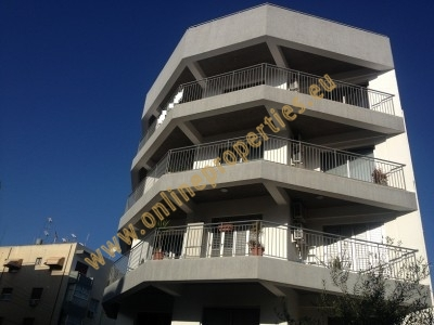 Attractive Top floor 3-bed in Acropolis!