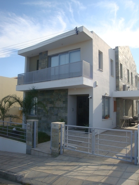 4 bedroom house in Archangelos