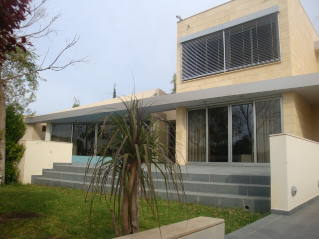 Luxury Detached House in Makedonitissa with pool