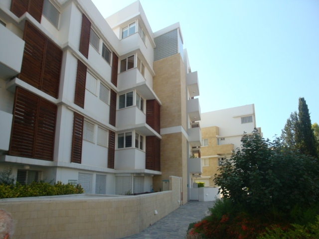 Luxury 3 Bed Apartment in Secure Private Estate