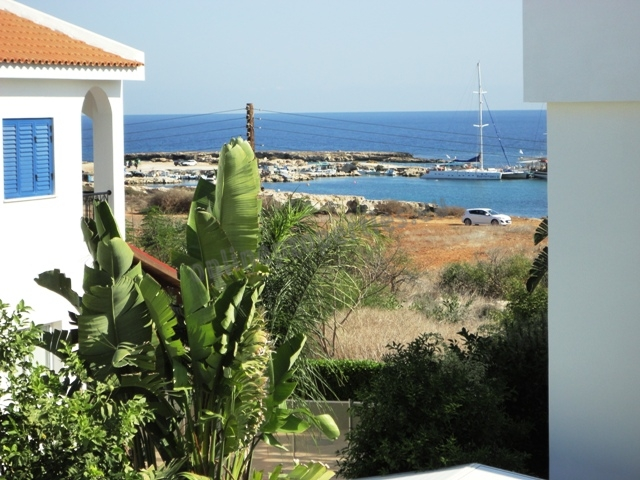 Detached Seaview Villa with garden and pool