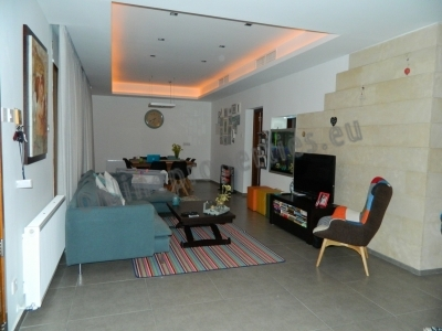 MODERN GROUND FLOOR  HOUSE IN EGKOMI FOR RENT
