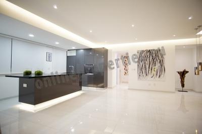 Exquisite three bedroom penthouse apartment