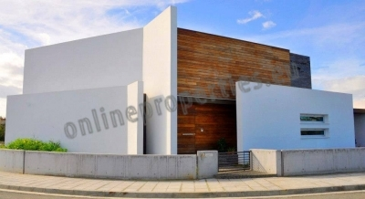 Luxurious Modern House for sale in Lakatamia