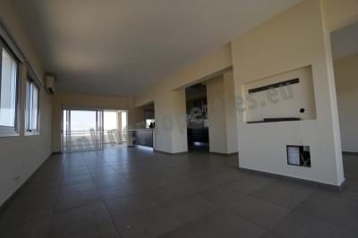 Whole Floor 3bedroom with big veranda areas