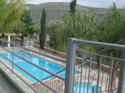 Luxury furnished 2bed in Germasogia