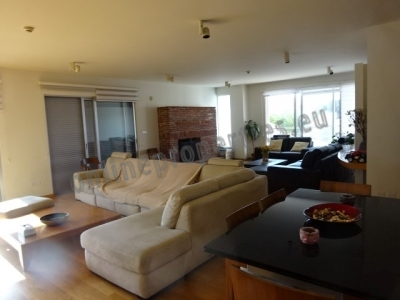 Amazing 3 storey apartment, fully furnished