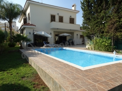 5 bed +office,maid's & swimming pool