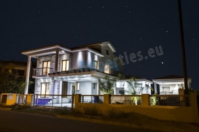 FIVE BEDROOM HOUSE IN LAKATAMIA FOR RENT