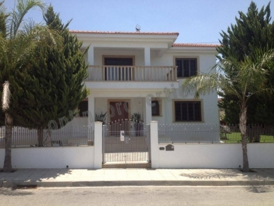 For Rent 5bdr House- villa in Latsia