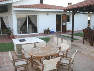 For Rent 4 Bedroom House  in Lakatamia with pool