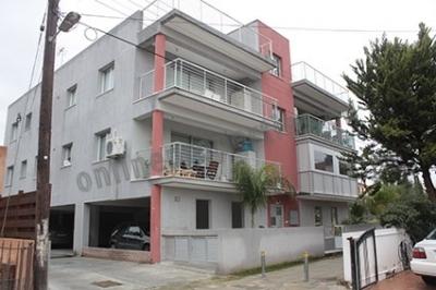 Top floor 3bedroom flat with roof garden