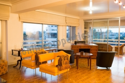 LUXURY 3 BEDROOM TOP FLOOR APARTMENT FOR RENT
