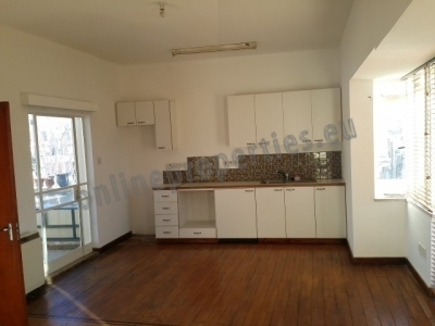 Featured Super Large One Bed in city center/unfurn