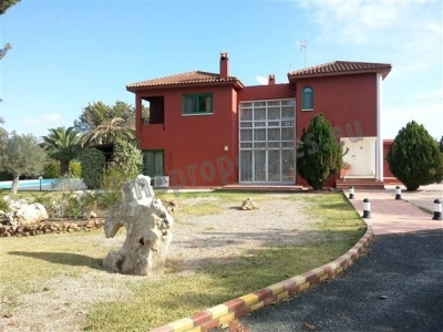 Refurbished 4+ Country Style House at Kornos