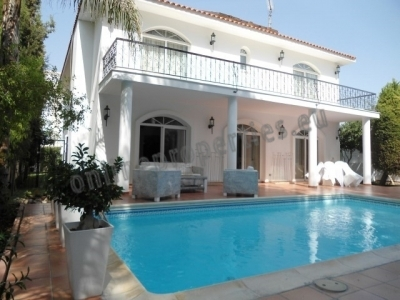 EXCLUSIVE 5 BEDROOM HOUSE WITH SWIMMING POOL