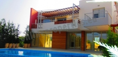 Luxury 3bedroom villa in Limassol for sale.