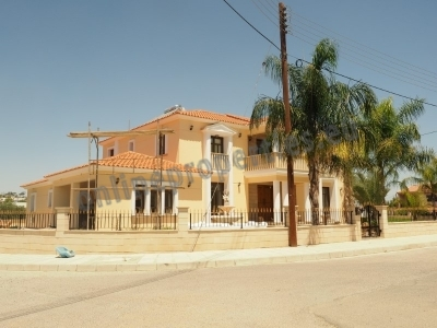 Beautiful Detached House in Lakatamia with pool
