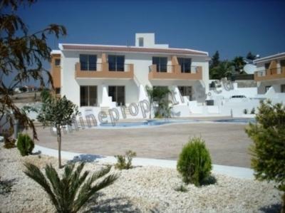 Luxury apartment near golf courses in Erimi.