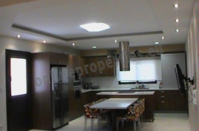 Three Bedroom House in Geri For Sale