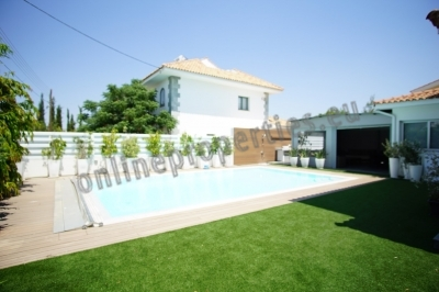Luxurious Detached House with pool at Latsia