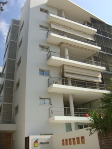 Whole floor 4-bed apartment in Agios Andreas!