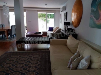 Detached House of 4bedrooms in Strovolos with pool