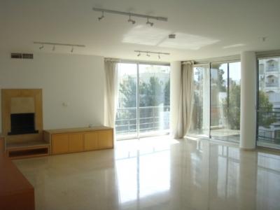 Luxurious 3+maid\'s room apartment at  Engomi