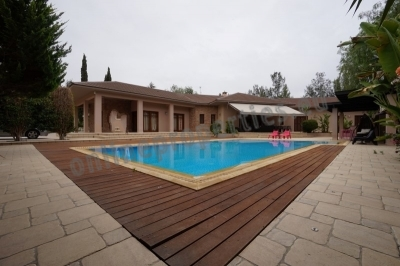 An impressive Detached 4bedrooms+ House at Latsia