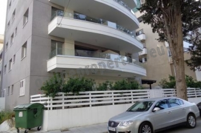 Three Bedroom Luxury Flat in Agioi Omologites