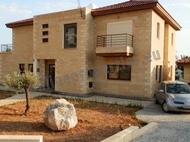 Luxurious Stone  Villa in a beautiful enviroment