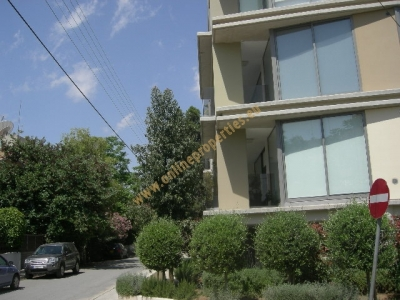 NICE,MODERN TWO BDRM APARTMENT NEAR EMBASSIES!