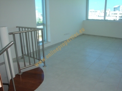 Spacious maisonette office in heart of the city