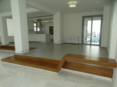 4 bed luxury upper house in Acropolis/Dasoupolis