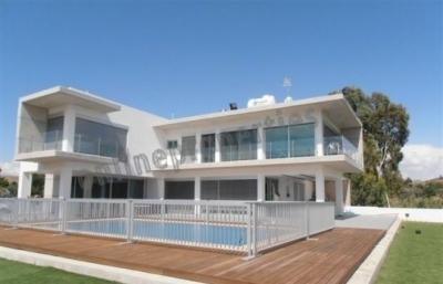 5 Bedroom House-Villa in Alambra/Mosfiloti