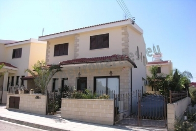 Resale House of 4 bedrooms in Tseri