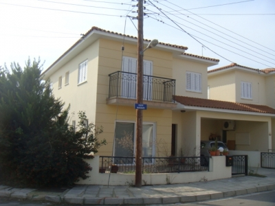 Detached house of 4-bed in Tseri!