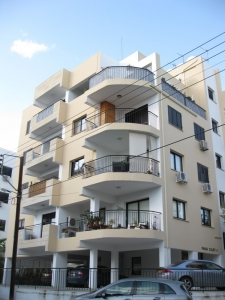 Cosy 1-bed furnished in Acropolis!