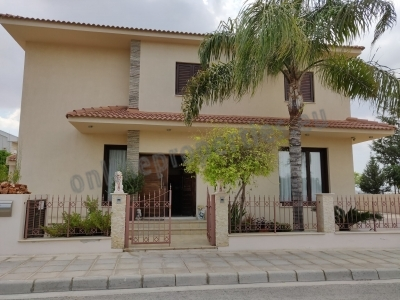 FOUR BEDROOM HOUSE IN AGLANTZIA FOR RENT