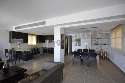 Ground floor apt with landscaped garden and pool
