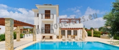 FABULOUS FURNISHED 4 BEDROOM VILLA