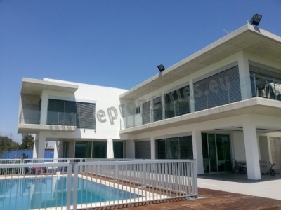 5 Bedroom House-Villa in Alambra/Mosfiloti