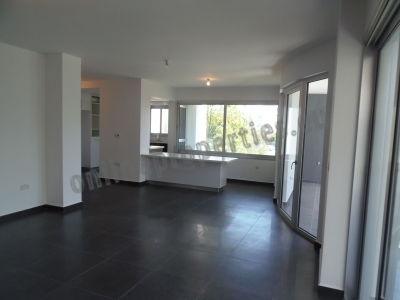 NEW LUXURY WHOLE FLOOR 4 BED APARTMENT